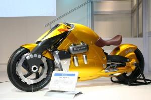 Suzuki Biplane1 300x199 Самые красивые мотоциклы мира   топ 10 самых крутых байков мира. Все необычные и интересные мотоциклы в одном топе.